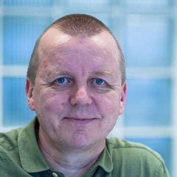 Romano mirits: Raimo Salon työkenttää ovat maahanmuuttajien ja kulttuurivähemmistöjen opetusasiat Oulussa