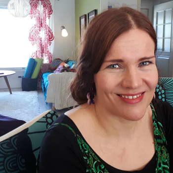"""Akuutti: Perheenäiti Sari: """"Monipuolinen ruokavalio on turvallisinta, antibioottijäämät eivät pelota."""""""