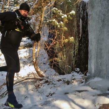 Luontoretki.: Vuorijuoksija Sulander treenaa Nuuksiossa