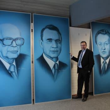 Autotaidemaalari Simo Riikonen, alansa uranuurtaja: Liekit polttivat sydämeni!