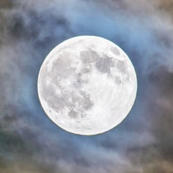 Ajantasa: Kilpajuoksu Kuuhun
