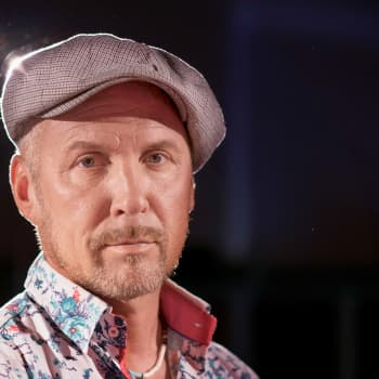 Ensam på scenen: Juha Mulari