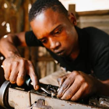 Maailmanpolitiikan arkipäivää: Köyhä, mutta rikas Sierra Leone