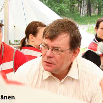 Kuusi kuvaa: SPR:n Kalle Lööviä kannustaa yhdessä tekeminen