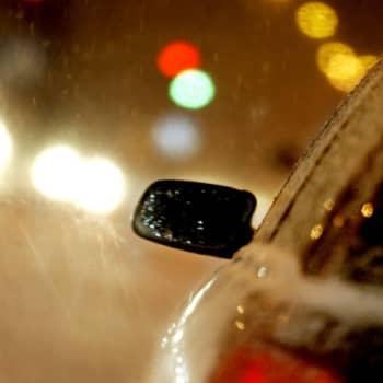 Ajoterveyden riskit löytyvät ratin ja penkin välistä