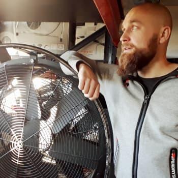 Radio Suomesta poimittuja: Valokeilan takana - erikoistehostemies Konsta Mannerheimo