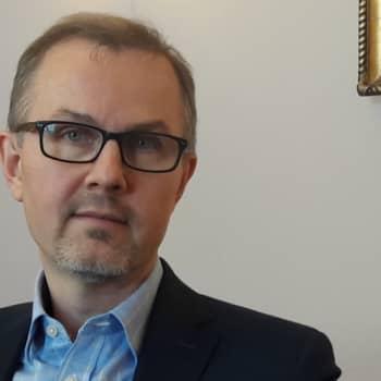 Brysselin kone: Lisääntyvätkö Suomen yhteisvastuut EU:ssa.Haastateltavana alivaltiosihteeri Tuomas Saarenheimo valtiovarainministeriöstä