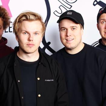 YleX Aamu: Gasellit-yhtyeen Hätä-Miikka ja Päkä kertovat uuden Sä maksat -kirjansa olleen vain haave