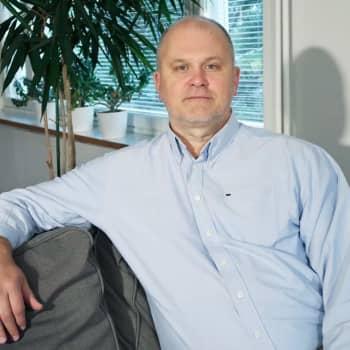 Ajantasa: Ylen uutistoiminnan johtajaksi nimitetty Jouko Jokinen: Olen Ylen suurkuluttaja, minulla on radio auki koko ajan