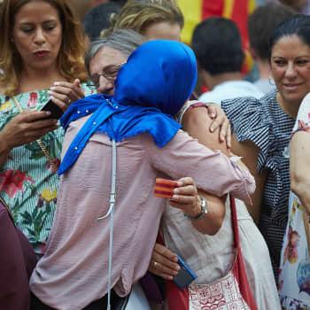 Pariisin kahden vuoden takaiset terroriteot eivät ole häipyneet kaupunkilaisten mielestä.