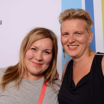 Radio Suomen Iltaohjelma: Miten juhlien tunnelman pystyy korjaamaan?
