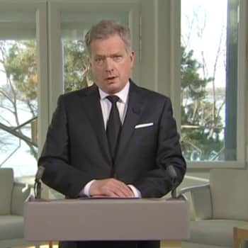 Ajantasa: Tasavallan presidentti Sauli Niinistö muisteli puheessaan presidentti Mauno Koiviston elämää ja uraa