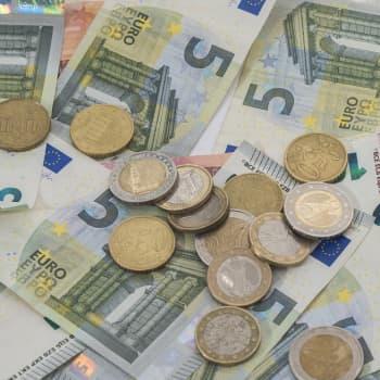 Mikä maksaa?: Onko uusliberalismi suuren rahan salaliitto?