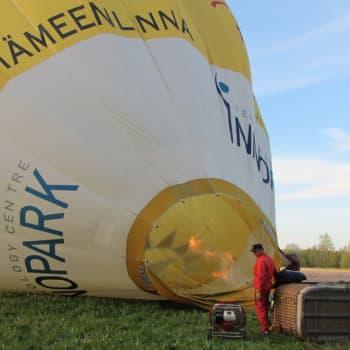 Jokapaikan Reetta: Kuumailmapalloilemassa Hämeenlinnassa