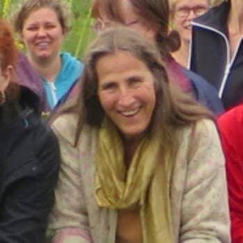 Virpi Raipala-Cormier on luomuyrttiviljelyn ja kasvilääkinnän pioneeri