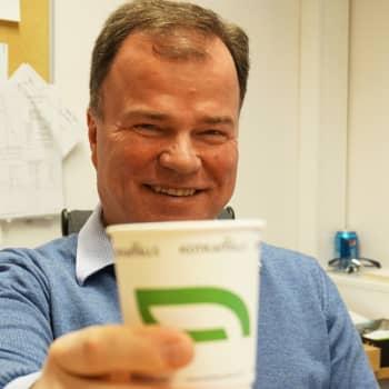Sunnuntaivieras: Tehtaanjohtaja Markku Hämäläinen pisti kaiken peliin valmistaakseen muovittomia pakkausrasioita