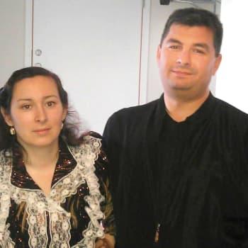 Romano mirits: Jussi ja Mirjami ovat ruotsinsuomalaisia paluumuuttajia