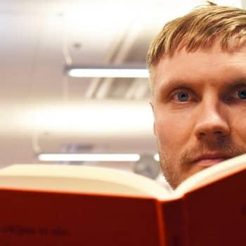 Kirjakerho: Harry Salmenniemen ihmeelliset novellit