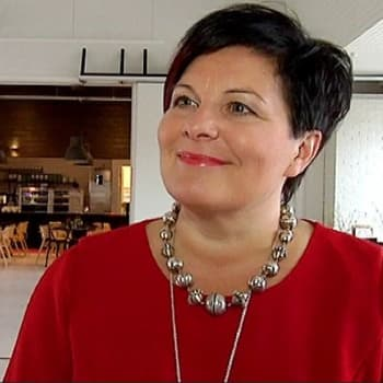Sunnuntaivieras: Värttinän Sari Kaasinen tarjoilee mielen ja vatsan täytettä