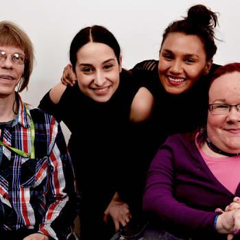 Mahadura & Özberkan: Miten Suomi suhtautuu maailman suurimpaan vähemmistöön, vammaisiin?