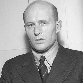 1932 Toivo Pekkanen ja romaani Tehtaan varjossa