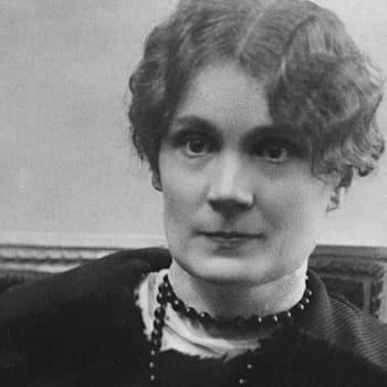 1922 Anni Swan ja romaani Pikkupappilassa