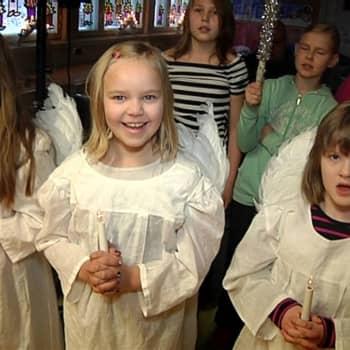 Ajantasa: Koulujen juhlat lisäävät yhteenkuuluvuuden tunnetta
