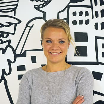 """YleX Aamu: Psykoterapeutti Maaret Kallio: """"Sosiaalinen media on läsnäolon tiellä."""""""