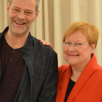 Roman Schatzin Maamme-kirja: Itsenäisyyspäivän aattona vieraana presidentti Tarja Halonen