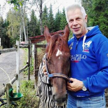 Radio Suomesta poimittuja: Kari Vepsä tekee pukittelevasta hevosesta kiltin kumppanin