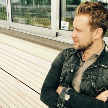Sunnuntaivieras: Opperalaulaja Waltteri Torikka loistaa sekä oopperan että viihdemusiikin maailmassa