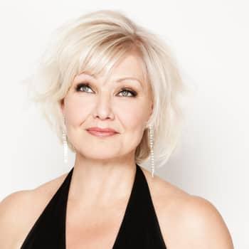 Ajantasa: Sopraano Karita Mattila loistaa Lontoon Proms-festivaaleilla