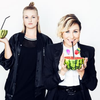 Poikelus ja Hätönen: Sini Sabotagen onnittelupuhelu PH-arvoille