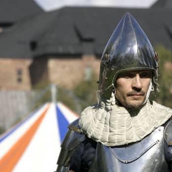 Keskiajan heinäkuun Brysselin kone: Nykyisen Euroopan talouskehityksen juuret Kaarle V:n aikana