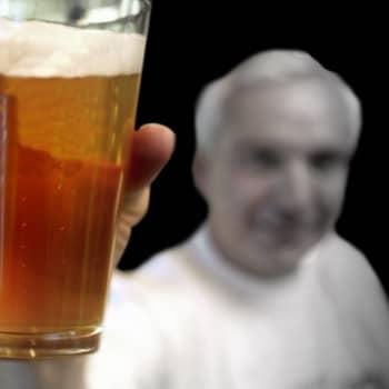 Mikä altistaa alkoholismille?