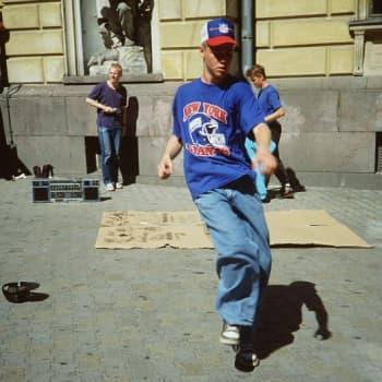 Kultakuume: Tanssi poika, tanssi