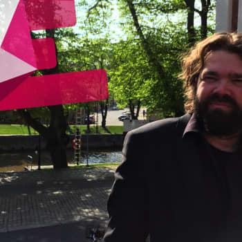 Teatterinjohtajan on oltava kiinnostunut paitsi taiteesta, myös johtamisesta, sanoo Mikko Kouki