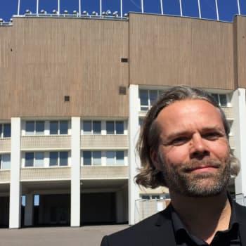 Helsingin olympiastadion on suurten tuulten rakennus, jossa on herkkiä yksityiskohtia.