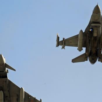 Maailmanpolitiikan arkipäivää: Terveiset Naton siipien suojasta