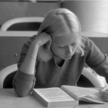 Kirjakerho: Opettaako kaunokirjallisuuden lukeminen sittenkään ymmärtämään muita ihmisiä?