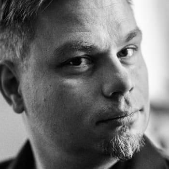 """Kirjakerho: Tommi Kinnunen """"Vain itselleen täytyy kelvata, ei muille"""""""