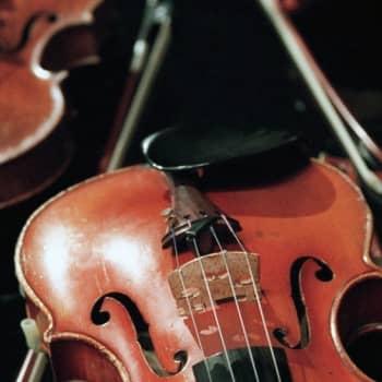 Vanha viulu kiihottaa soittajansa mielikuvitusta