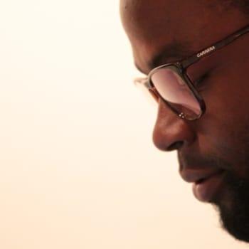 KulttuuriCocktail: Räppäri Thelo Ekow ja rasismin eri muodot