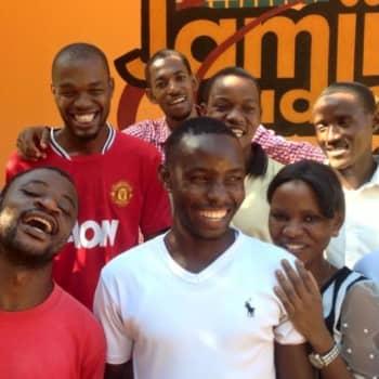 Puheen Iltapäivä: Tansanian yhteisöradio antaa äänen äänettömille