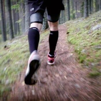 Vierailu urheilumyymälässä sekoittaa helposti pään, sillä lenkkareita on esillä parhaimmillaan kymmeniä.