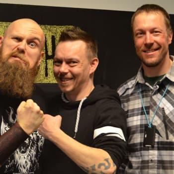 "Mikko ""Peltsi"" Peltola: Showpaini eli wrestling on interaktiivinen liveshow"