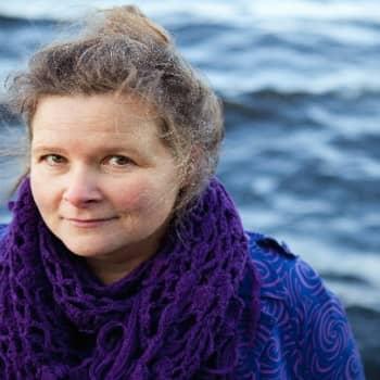 Viikon kirja: Liisa Rinne ja romaani Odotus