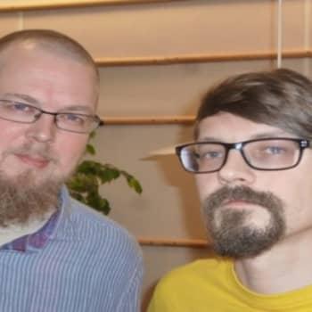 Roman Schatzin Maamme-kirja: Suomi on pessimistin paratiisi
