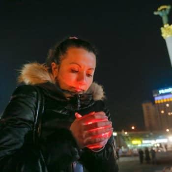 Maailmanpolitiikan arkipäivää: Ukrainan kotirintama toivoo rauhaa