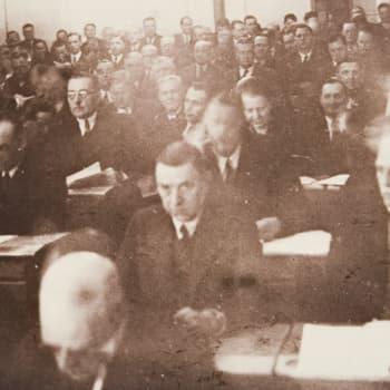 Eduskunta pakoon Kauhajoelle 1939 (1969)